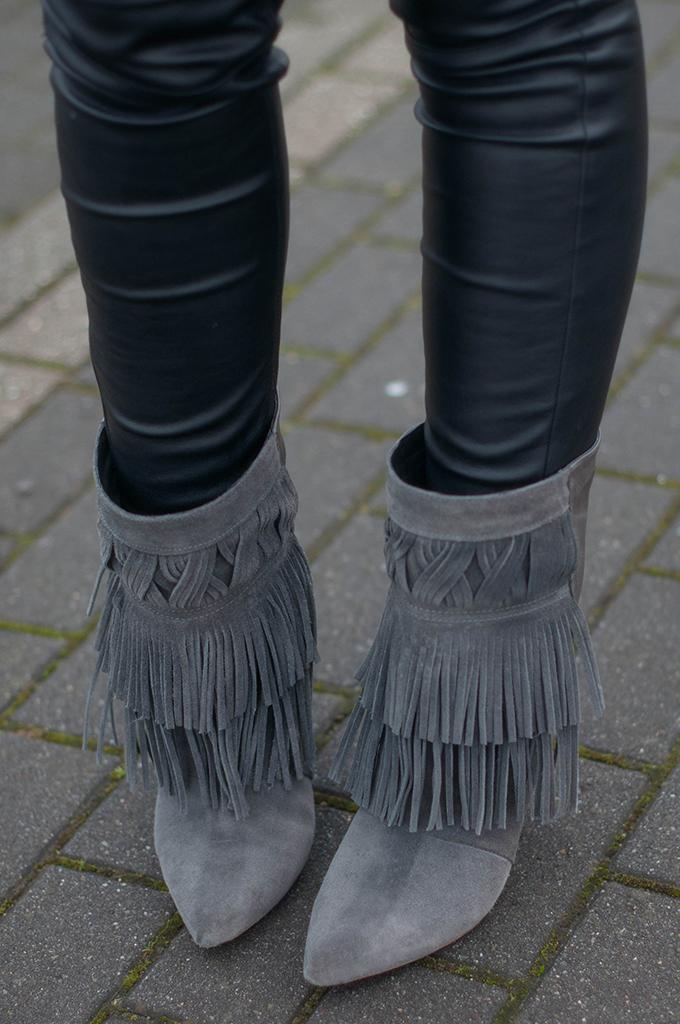RED REIDING HOOD: Fashion blogger wearing isabel marant fringe boots ko designer shoes costes street style leather pants