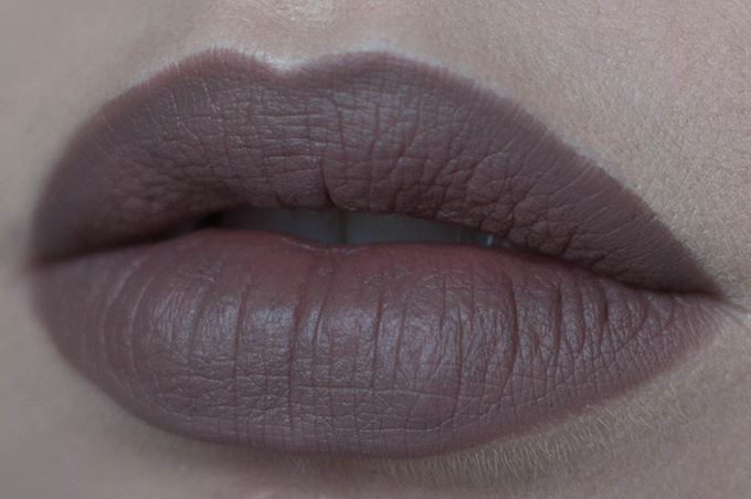 RED REIDING HOOD: Beauty blogger review MAC stone lip pencil swatch lips side view