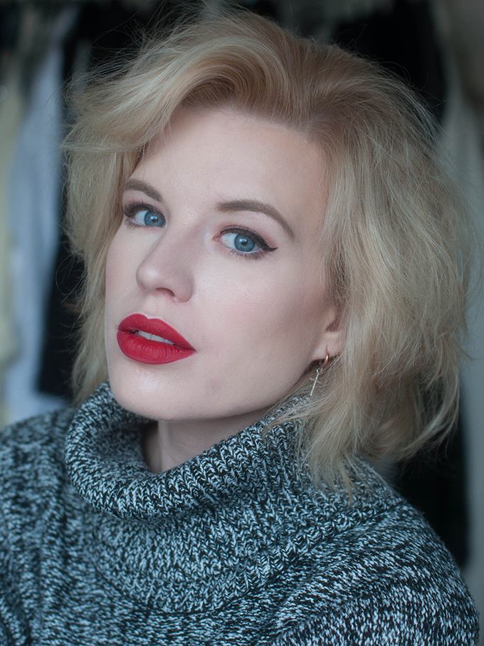 RED REIDING HOOD: Beauty blogger review MAC ruby woo lipstick MAC cherry lip pencil swatch full face pin up look winged eyeliner ultimate best red lipstick