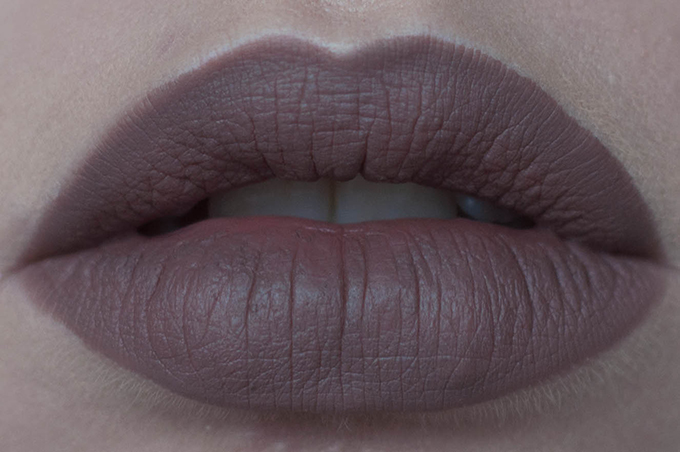 RED REIDING HOOD: Beauty blogger review MAC stone lip pencil swatch lips front view look