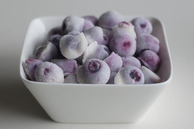 RED REIDING HOOD: Healthy recipe frozen yogurt blueberry bites clean eating paleo de voedselzandloper gezond recept griekse yoghurt blauwe bessen