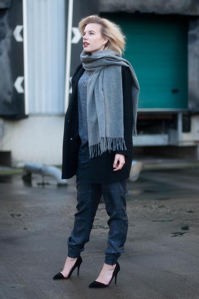 RED REIDING HOOD: Fashion blogger wearing cuffed tartan pants outfit acne studios canada wool scarf