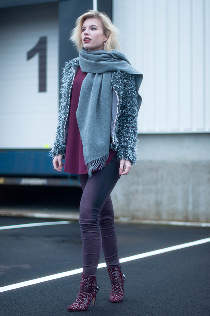 RED REIDING HOOD: Fashion blogger wearing aubergine coated jeans street style acne studios canada wool scarf fluffy coat the sting outfit sam edelman mila