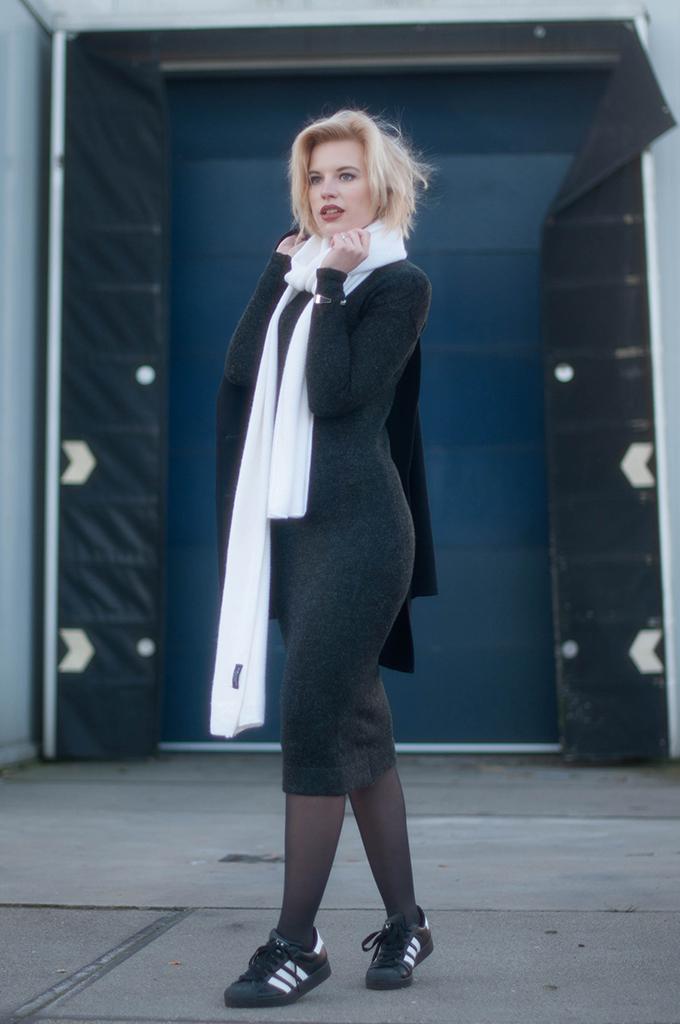 RED REIDING HOOD: Fashion blogger wearing zara knit maxi midi dress white scarf street style adidas superstar sneakers