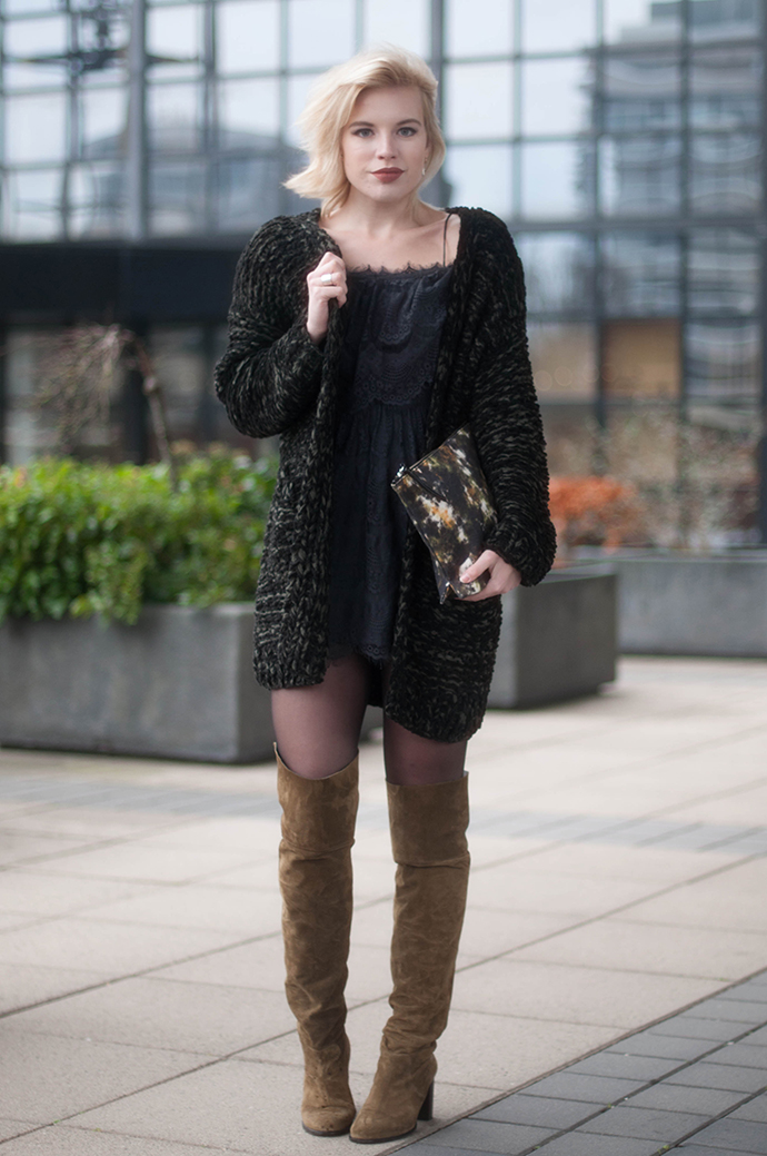 RED REIDING HOOD: Fashion blogger wearing heavy knit cardigan H&M nly icons lively dress outfit topshop over the knee boots