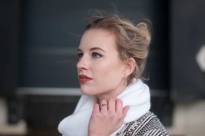 RED REIDING HOOD: Fashion blogger wearing messy bun hair outfit details long white scarf