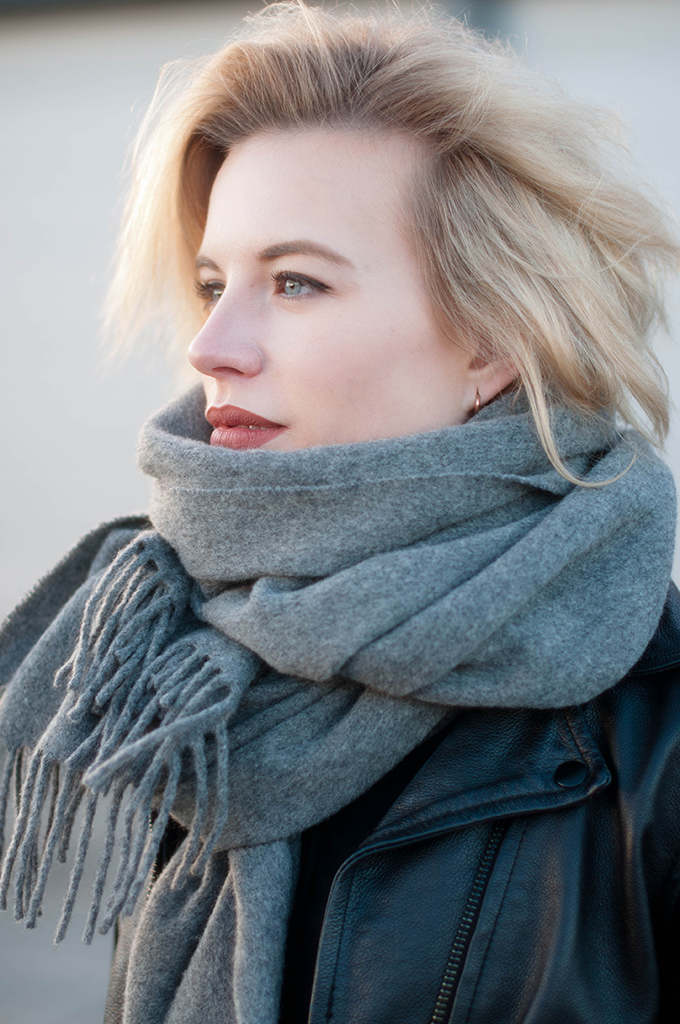 RED REIDING HOOD: Fashion blogger wearing acne studios canada wool scarf outfit details