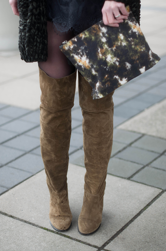 RED REIDING HOOD: Fashion blogger wearing over the knee boots topshop outfit details american vintage clutch
