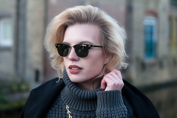 RED REIDING HOOD: Fashion blogger wearing Ray-Ban clubmaster sunglasses designer sunnies outfit details turtleneck