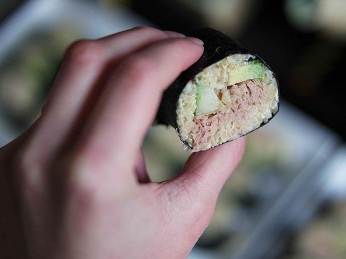 RED REIDING HOOD: Food blogger clean recipe quinoa sushi tuna avocado cucumber paleo gezond recept de voedselzandloper