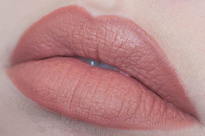 RED REIDING HOOD: Beauty blogger review mac honeylove lipstick swatch mac spice lip pencil close up lips look
