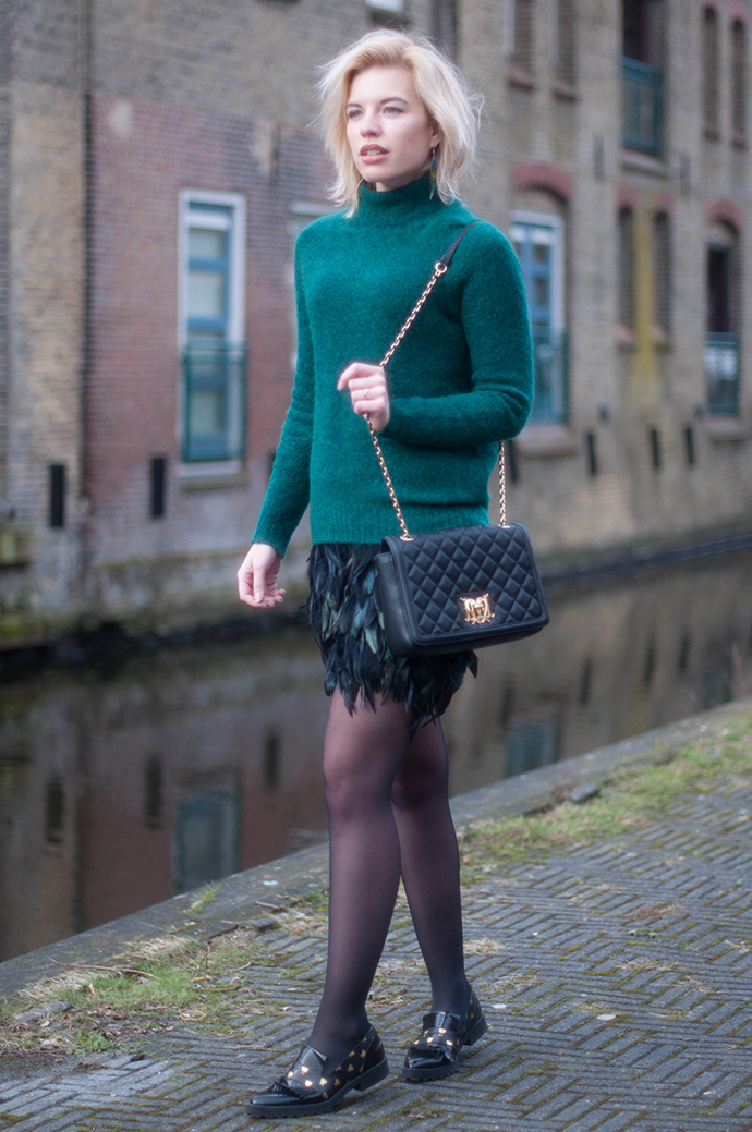 RED REIDING HOOD: Fashion blogger wearing feather skirt love moschino designer bag miista loafers mohair turtleneck the carrie diaries carrie bradshaw outfit