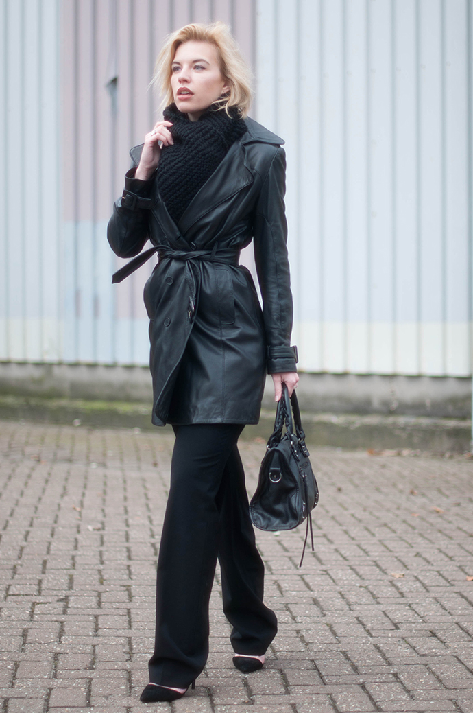 RED REIDING HOOD: Fashion blogger wearing all black everything outfit leather trench coat mango flare pants