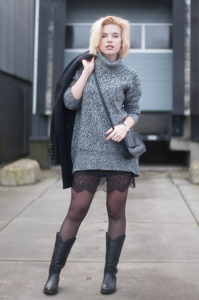 RED REIDING HOOD: Fashion blogger wearing lace dress outfit oversized turtleneck knit sweater cowboy boots sendra western