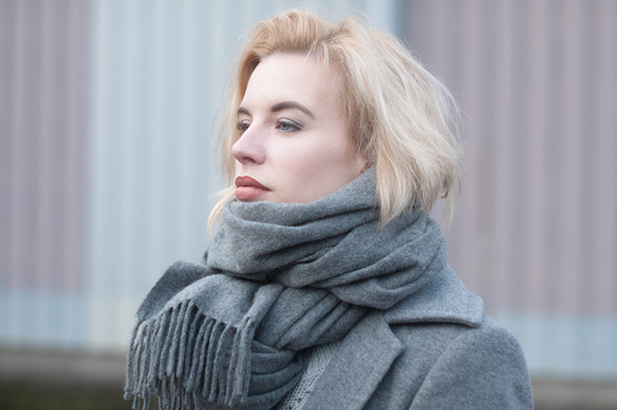 RED REIDING HOOD: Fashion blogger wearing acne canada wool scarf grey outfit details