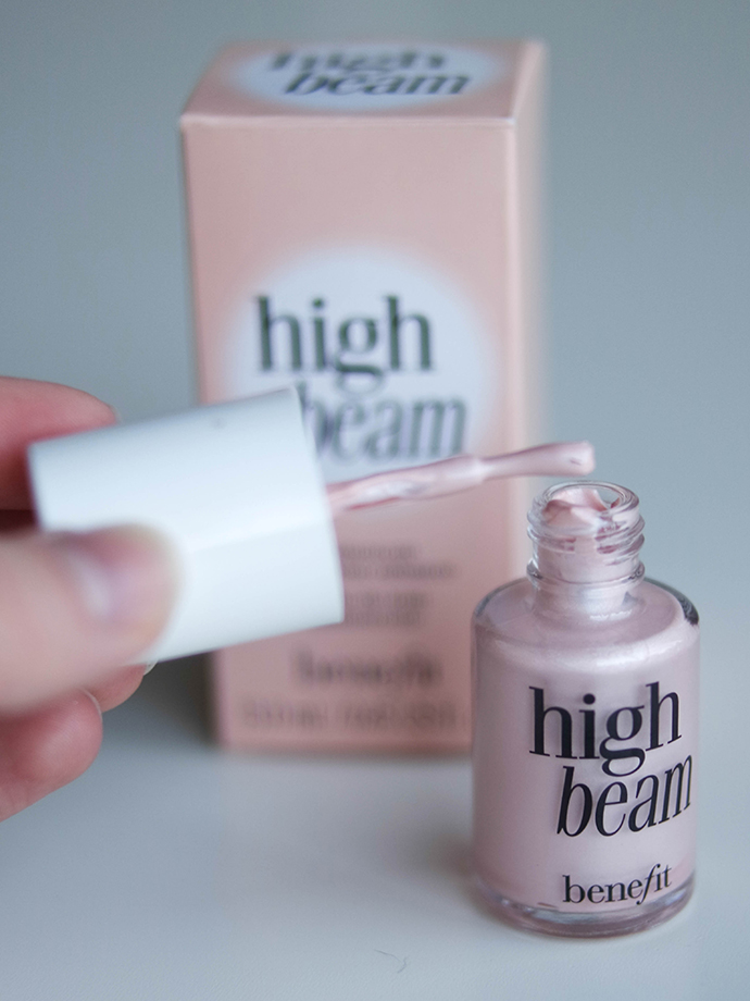 RED REIDING HOOD: Benefit Cosmetics high beam review highlighter illuminator swatch