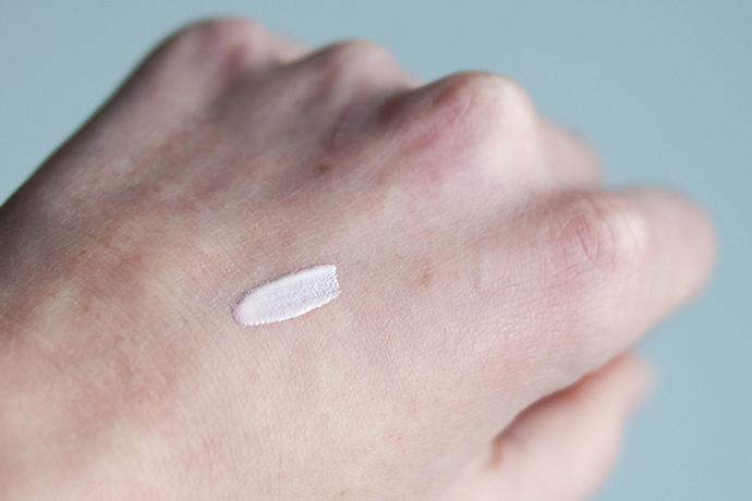 RED REIDING HOOD: Benefit Cosmetics high beam review liquid highlighter illuminator swatch