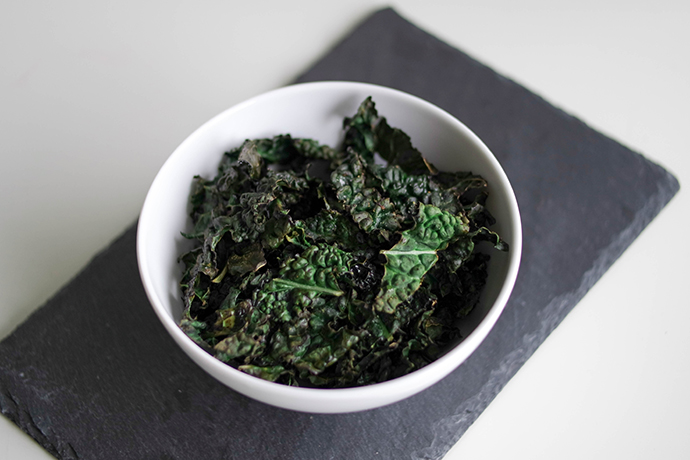 RED REIDING HOOD: Clean food kale chips recipe paleo crisps healthy cavolo nero boerenkool chips recept