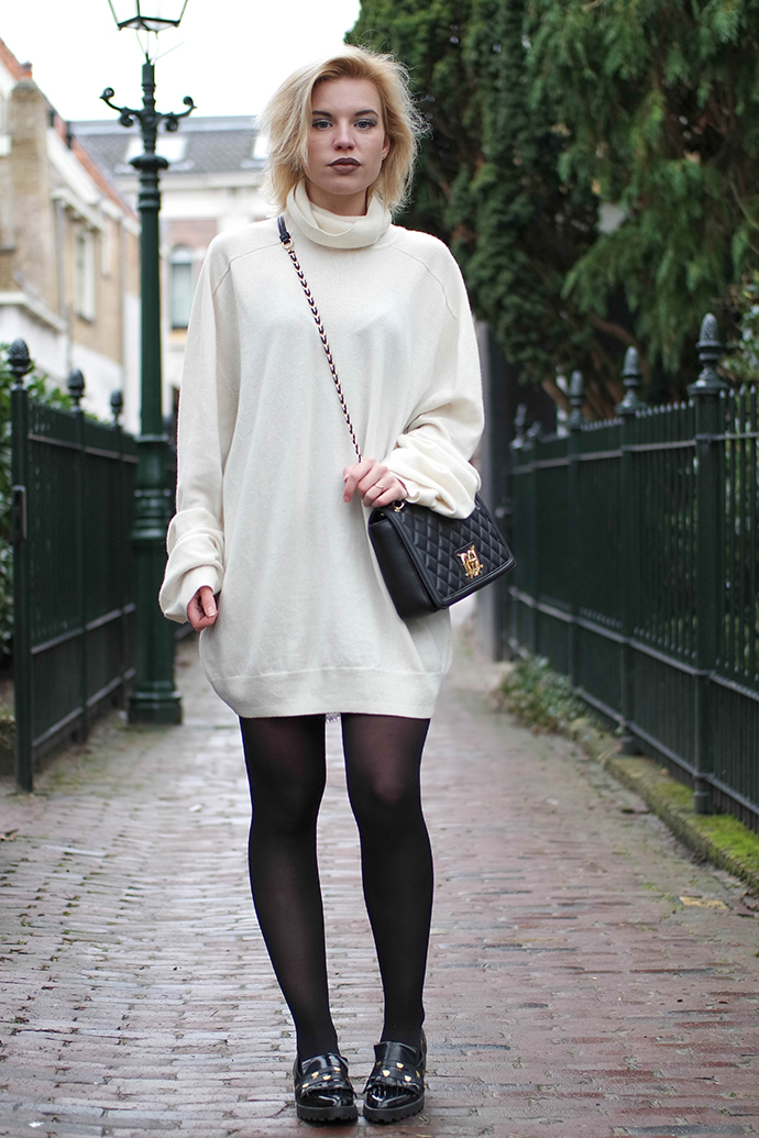 RED REIDING HOOD: Fashion blogger wearing love moschino quilted box chanel boy bag outfit miista loafers sweater dress