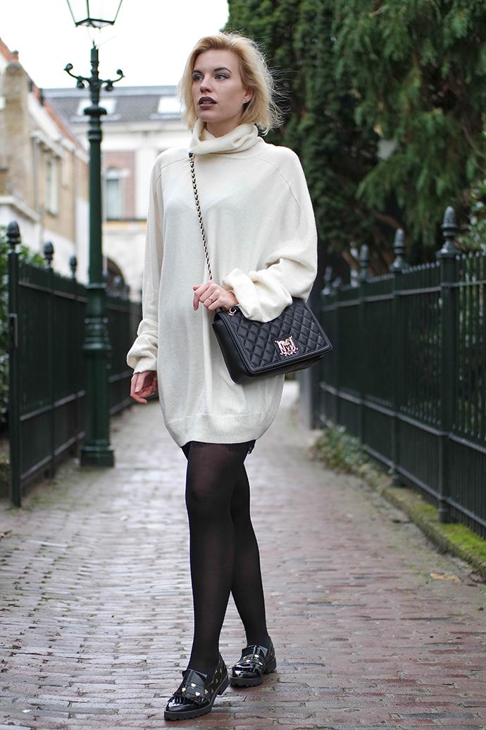 RED REIDING HOOD: Fashion blogger wearing oversized white turtleneck knit cashmere sweater dress maison martin margiela H&M outfit