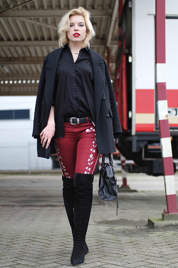 RED REIDING HOOD: Fashion blogger wearing over the knee boots duo boots vespa street style embroidered pants cocoon coat