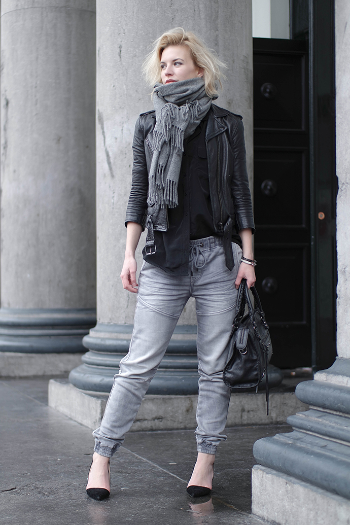 RED REIDING HOOD: Fashion blogger wearing baggy jeans heels cut out pumps outfit leather jacket acne studios canada scarf