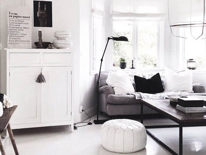 RED REIDING HOOD: Pinterest interior inspiration home living room moroccan pouf white leather oriental