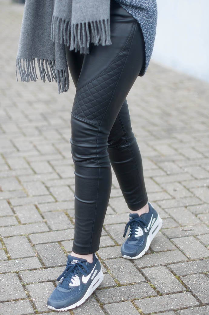 RED REIDING HOOD: Fashion blogger wearing leather pants outfit details nike air max 90 essential sneakers
