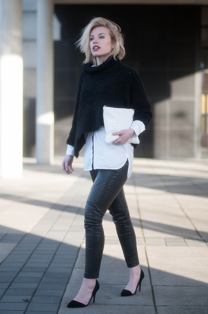 RED REIDING HOOD: Fashion blogger wearing faux leather pants outfit cropped turtleneck fluffy jumper zara white shirt
