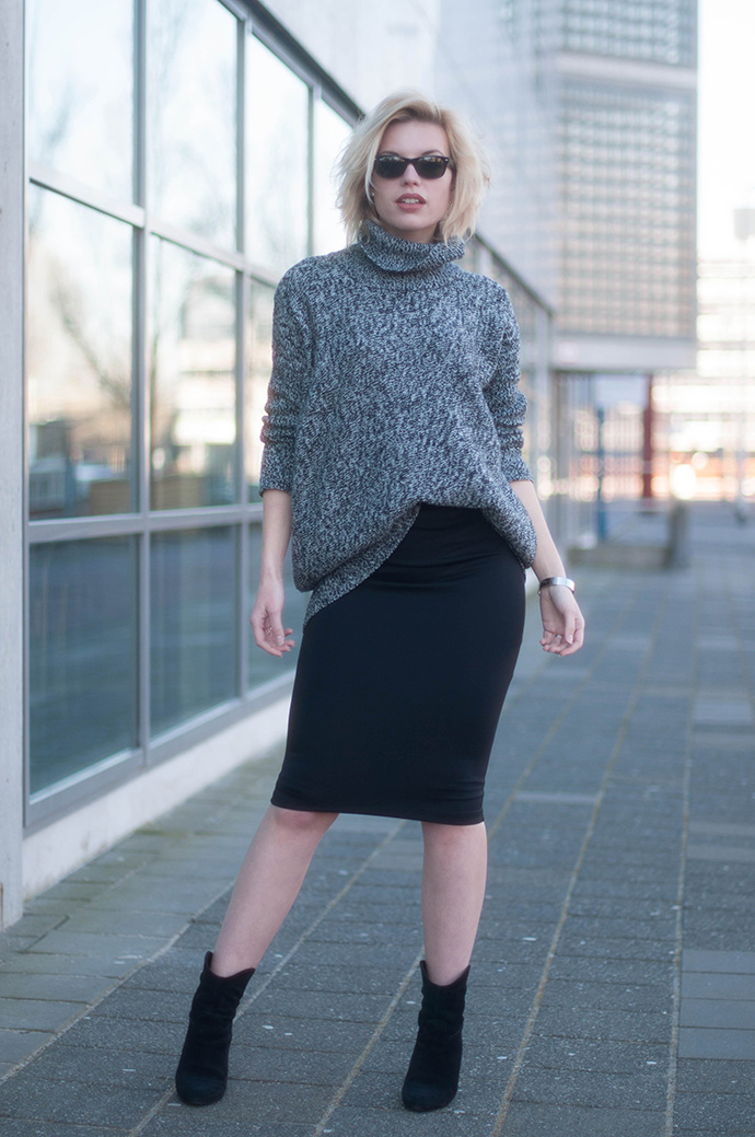 RED REIDING HOOD: Fashion blogger wearing grey melange oversized knit turtleneck jumper lindex pencil bodycon skirt mango cowboy ankle boots outfit