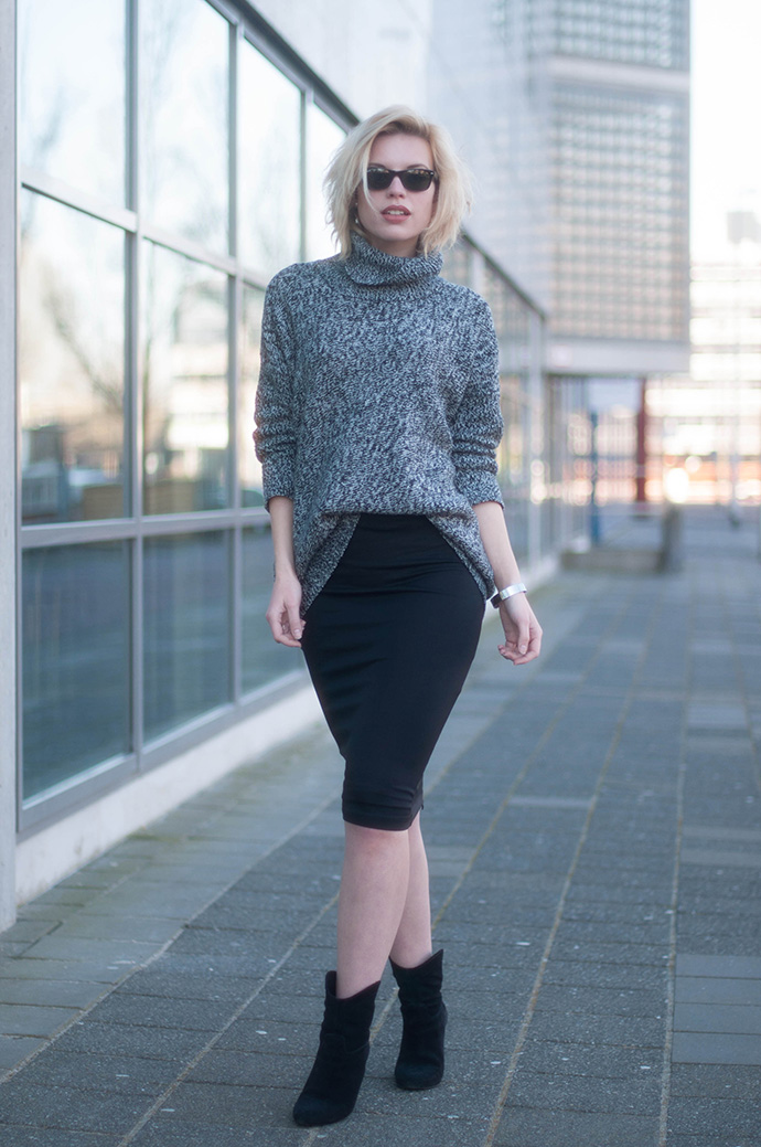 RED REIDING HOOD: Fashion blogger wearing midi pencil skirt bodycon outfit turtleneck jumper roll neck sweater mango cowboy boots