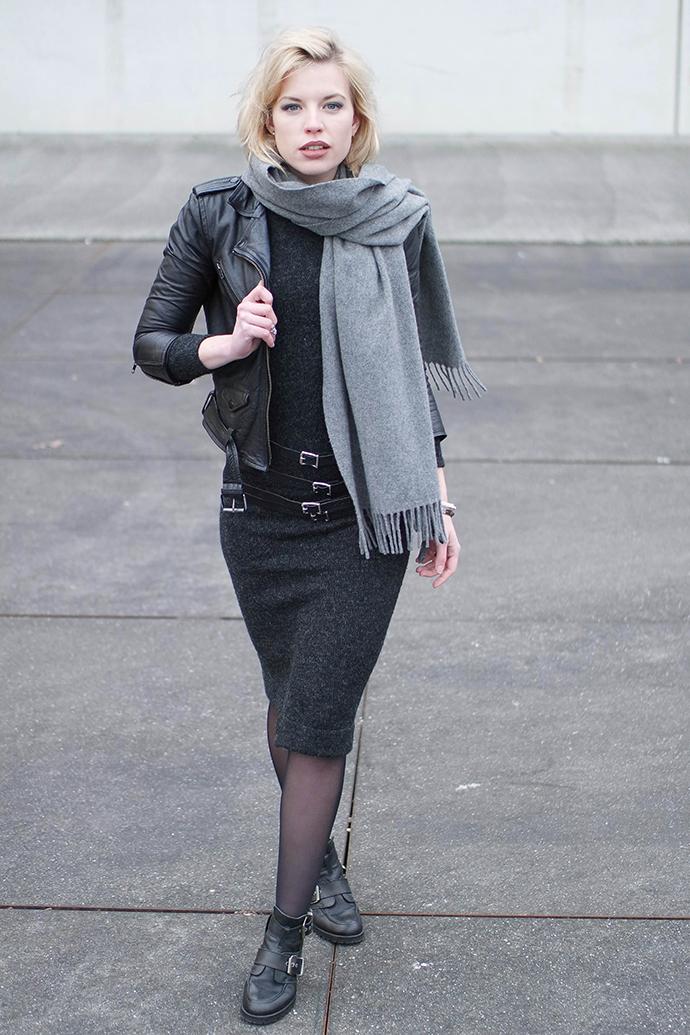 RED REIDING HOOD: Fashion blogger wearing zara knit asymmetric midi dress strappy waist belt buckle boots leather jacket outfit
