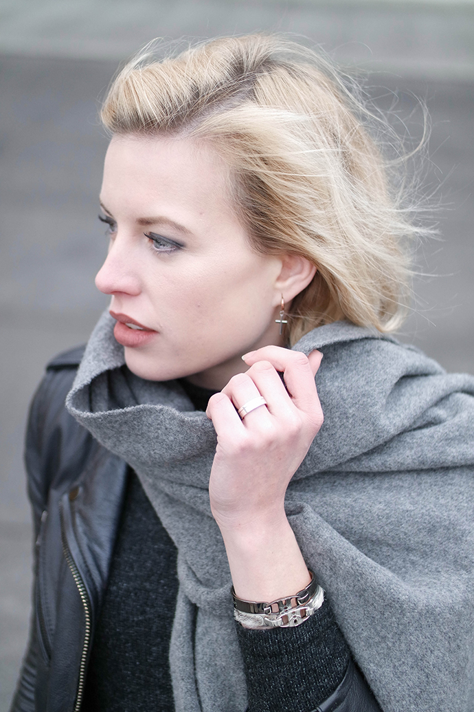 RED REIDING HOOD: Fashion blogger wearing acne canada wool scarf outfit details bandhu bracelets