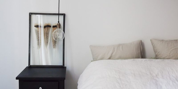 RED REIDING HOOD: Bedroom inspiration framed feathers decoration home