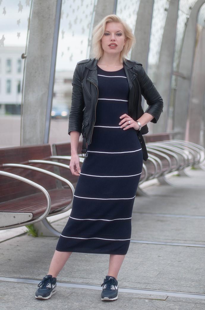 RED REIDING HOOD: Fashion blogger wearing mango premium rib midi dress nike air max 90 sneakers leather jacket outfit