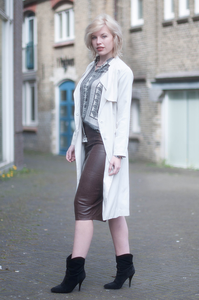 RED REIDING HOOD: Fashion blogger wearing brown leather python print midi skirt nude beige trench coat scarf print shirt zara outfit