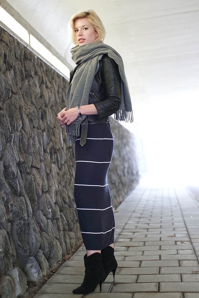 RED REIDING HOOD: Fashion blogger wearing strappy leather biker jacket acne canada wool scarf outfit maxi midi dress