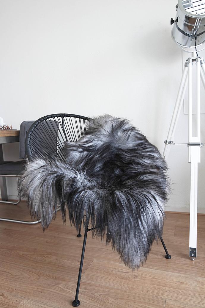 RED REIDING HOOD: Home interior inspiration vt wonen la chaisse longue acapulco chair shapeskin made alfred studio lamp draadstoel schapenvacht