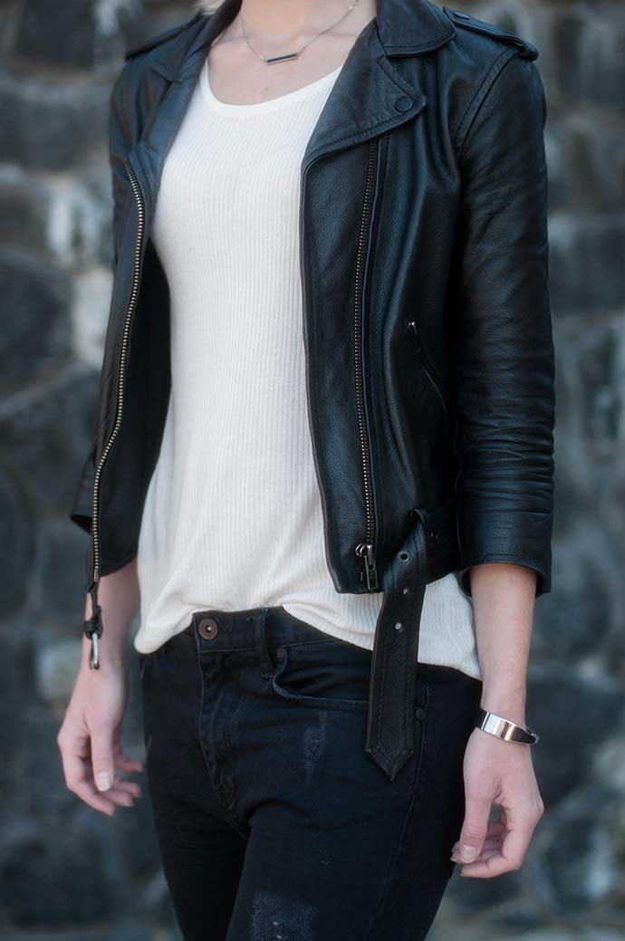 RED REIDING HOOD: Fashion blogger wearing black leather jacket ripped jeans outfit details