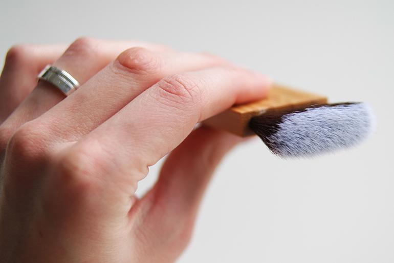 RED REIDING HOOD: Beauty blogger review nars ita brush dupe everyday minerals itahake brush contouring