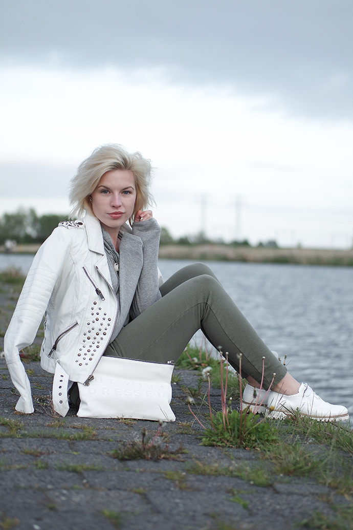 RED REIDING HOOD: Fashion blogger wearing stressed but well dressed clutch zara white leather jacket brogues outfit sweat pants