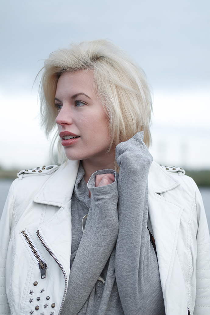RED REIDING HOOD: Fashion blogger wearing white leather jacket outfit details