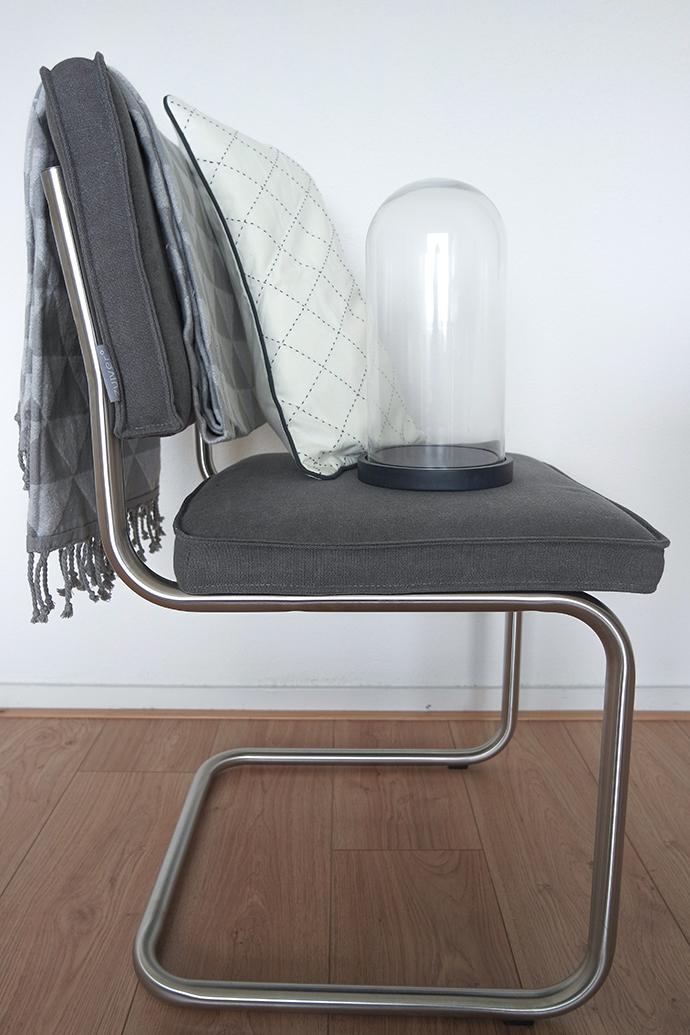 RED REIDING HOOD: Blogger interior plaid pillow case hema haul interieur zuiver ridge vintage chair stolp