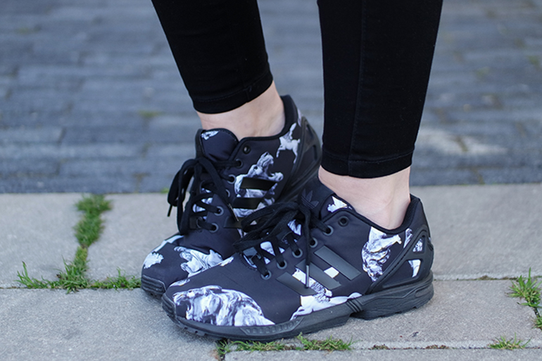 RED REIDING HOOD: Fashion blogger wearing adidas zx flux sneakers mythology pegasus ursa outfit details