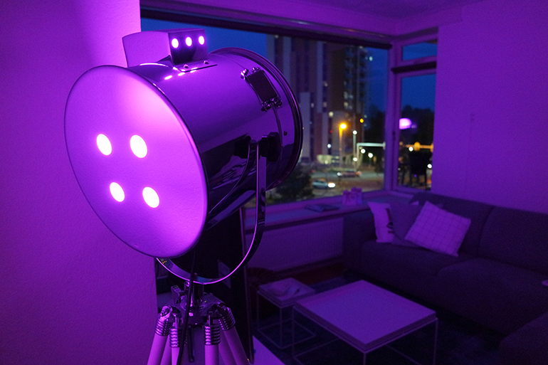 RED REIDING HOOD: iDual lichtsysteem lamp kleur