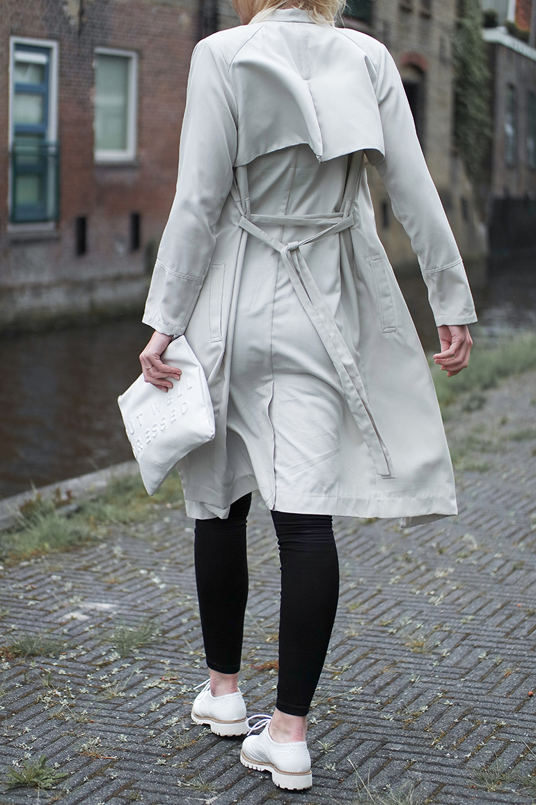 RED REIDING HOOD: Fashion blogger wearing trench coat H&M outfit details white clutch brogues