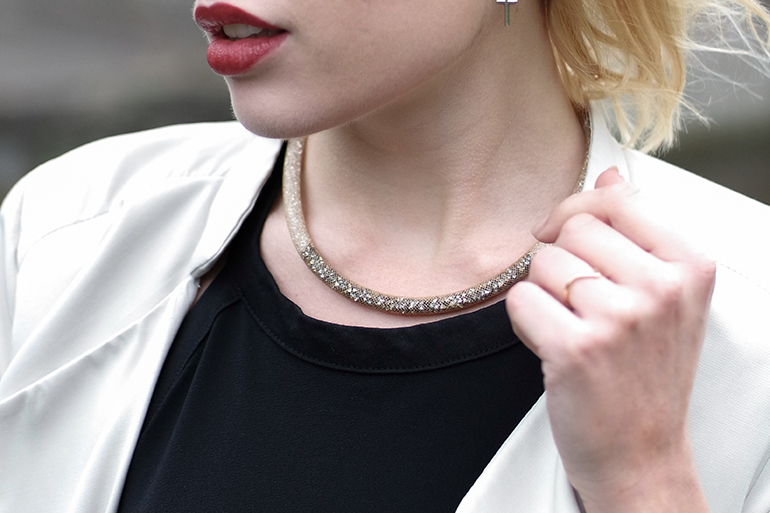 RED REIDING HOOD: Fashion blogger wearing swarovski stardust gradient necklace outfit details
