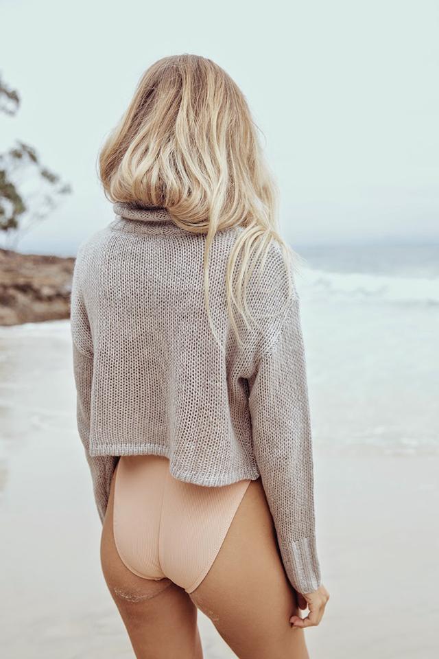 RED REIDING HOOD: Fashion inspiration beach sweater high rise bathing suit