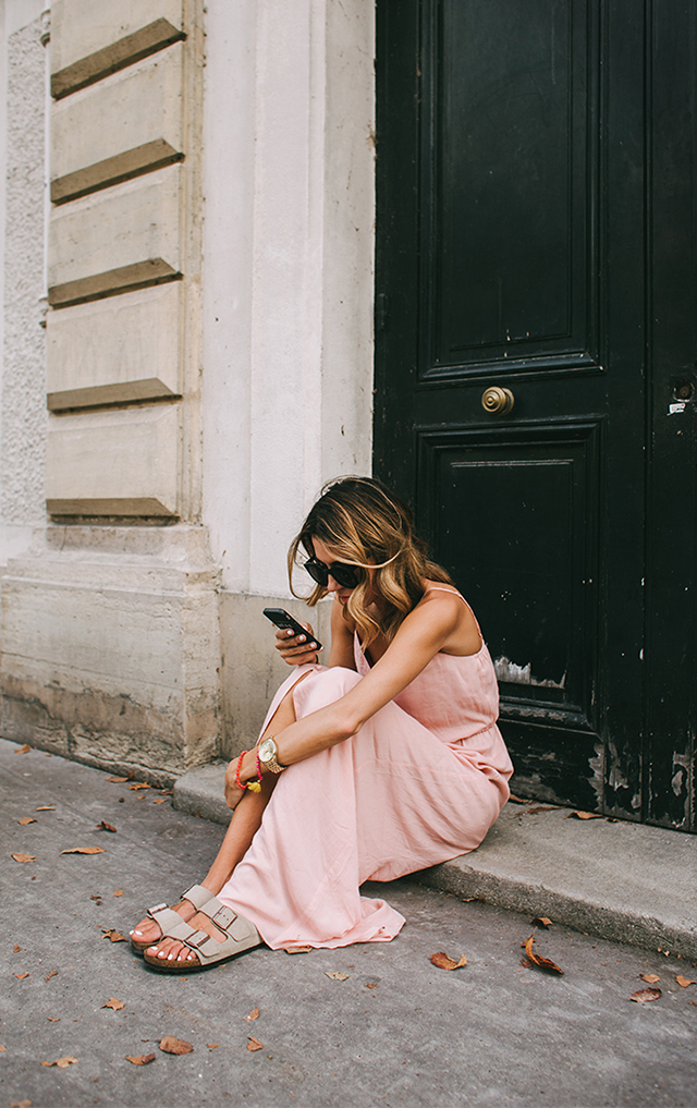 RED REIDING HOOD: Fashion inspiration powder pink maxi dress birkenstocks outfit