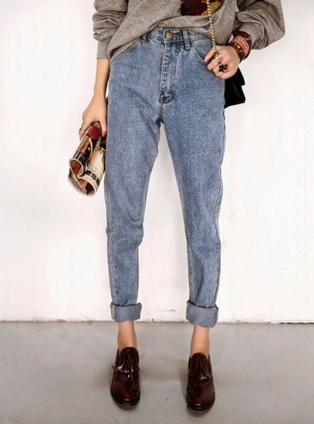 RED REIDING HOOD: Fashion inspiration high waisted mom jeans burgundy loafers outfit details
